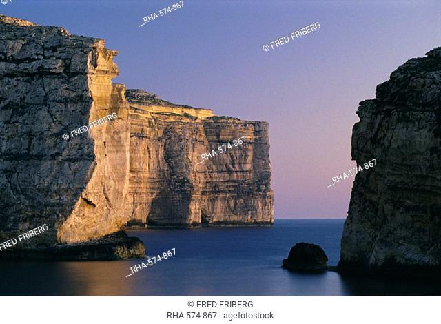 Coastline in the evening at Dwejra, Gozo, Malta, Mediterranean, Europe