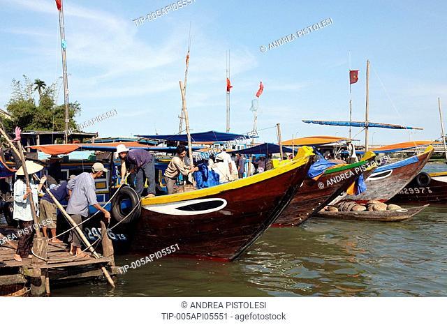 Vietnam, Hoi An, the river market
