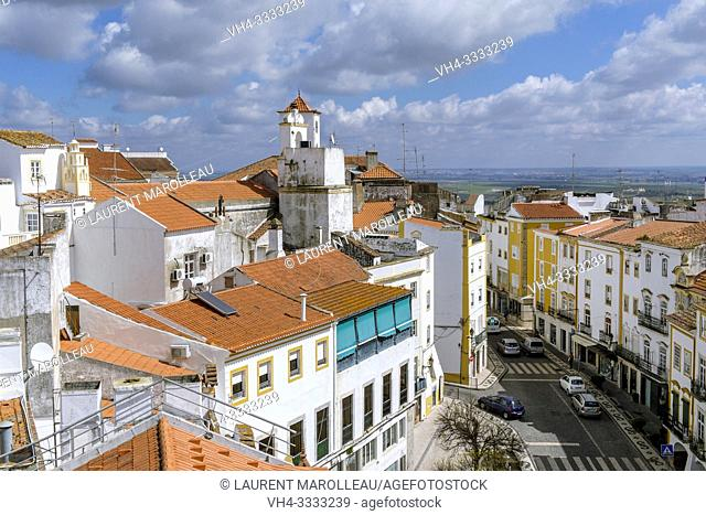 Cityscape with the Cadeia Street, Garrison Border Town of Elvas and its Fortifications, Portalegre District, Alentejo Region, Portugal, Europe
