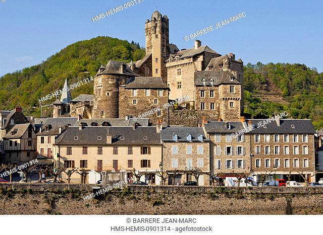 France, Aveyron, Lot Valley, Estaing, labelled Les Plus Beaux Villages de France (The most beautiful villages of France), a stop on el Camino de Santiago