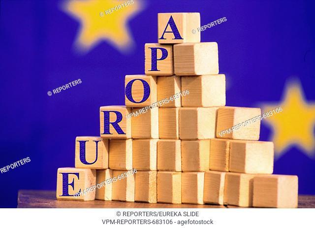 the growth of Europe European symbolic BLOCK - EUROPEAN UNION - EU - SYMBOL - GAME - EUROPE - STARS - ENLARGEMENT - FLAG - EU - EUROPE ZNAM © REPORTERS / Eureka...