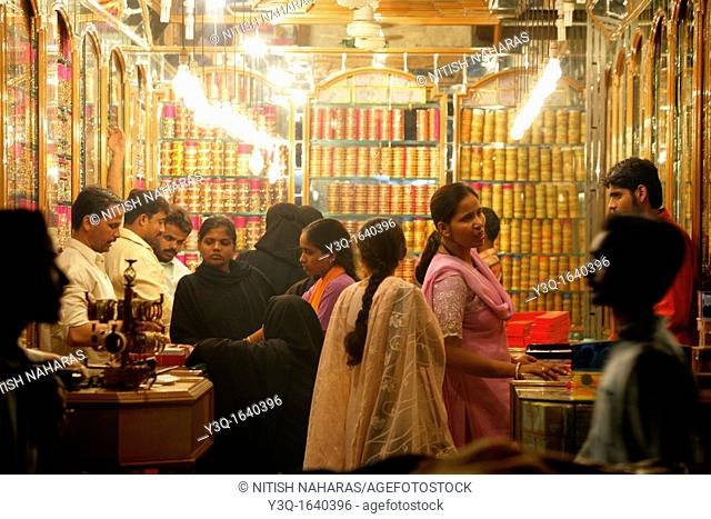 A thriving market exists around the Charminar attracting people and merchandise of every description  In its heyday, the Charminar market had some 14,000 shops
