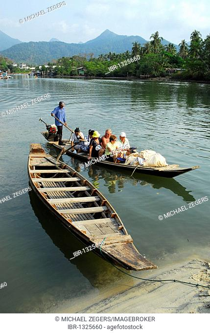Traditional boats at Klong Plu river, Klong Prao village, Koh Chang Island, National Park Mu Ko Chang, Trat, Gulf of Thailand, Thailand, Asia