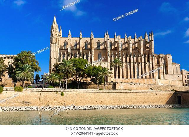 Cathedral of Santa Maria of Palma, more commonly referred to as La Seu, Palma de Mallorca, Majorca, Balearic Islands, Spain