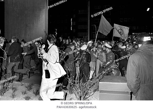 Clashes in front of the Police Headquarters on 15 April 1968. Students had gathered in the Auditiorium Maxium of the University of Hamburg after a demonstration...