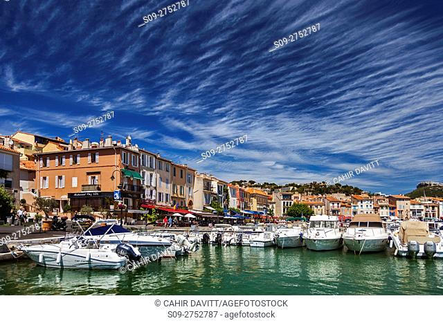 Cassis harbor front and marina, Cassis, Provence Alpes Cote d'Azur, France