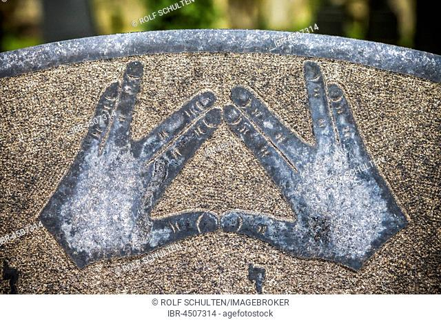 Hand Sign, Symbolic representation of blessing hands on a grave stone, Jewish Cemetery Schönhauser Allee, Berlin, Germany
