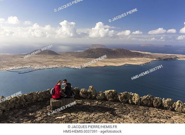 Spain, Canary islands, Lanzarote island, view of La Graciosa island from the Mirador del Rio