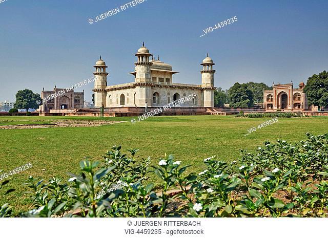 Itmad-Ud-Daulah's Tomb or Etimad-ud-Daulah, Agra, Uttar Pradesh, India - Agra, Uttar Pradesh, India, 18/11/2013