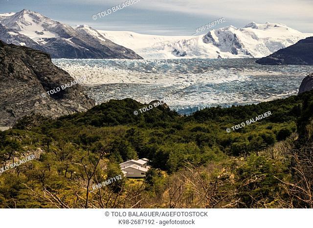 refugio y glaciar Grey, valle del lago Grey, trekking W, Parque nacional Torres del Paine,Sistema Nacional de Áreas Silvestres Protegidas del Estado de Chile