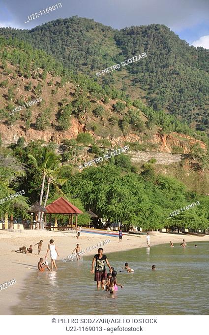 Dili (East Timor): the Areia Branca's beach