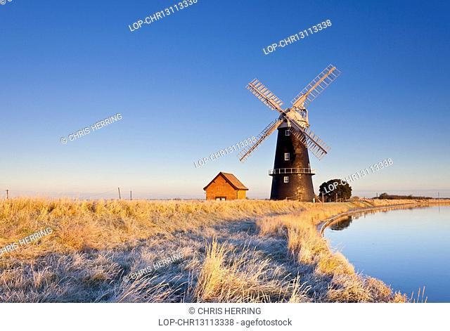 England, Norfolk, Halvergate. The remote Halvergate Marshes on the Norfolk Broads