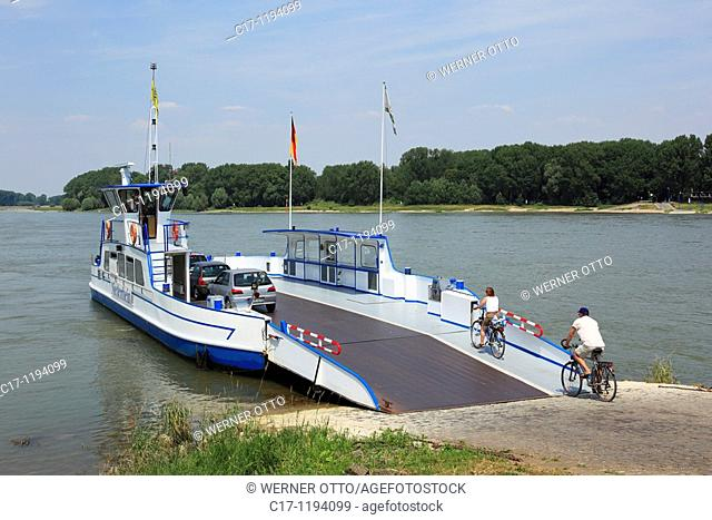 Germany, Dormagen, Rhine, Lower Rhine, North Rhine-Westphalia, Dormagen-Zons, Feste Zons, Rhine ferry, car ferry between Dormagen-Zons and Duesseldorf-Urdenbach