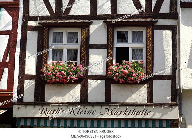 Window, marketplace with half-timbered house in the Old Town of Bernkastel, Bernkastel-Kues, Rhineland-Palatinate, Germany