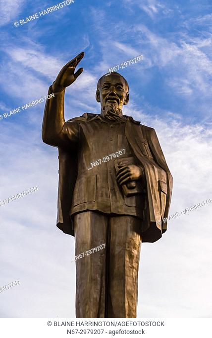 Statue of Ho Chi Minh, Can Tho is a city in southern Vietnamâ. . s Mekong Delta region. Set on the southern bank of the Hau River, itâ