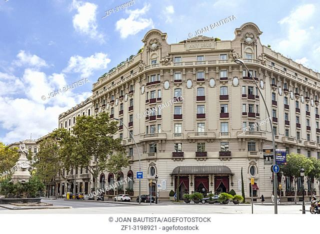 Hotel Palace, facade building, for years was the Hotel Ritz. Gran Via, Barcelona