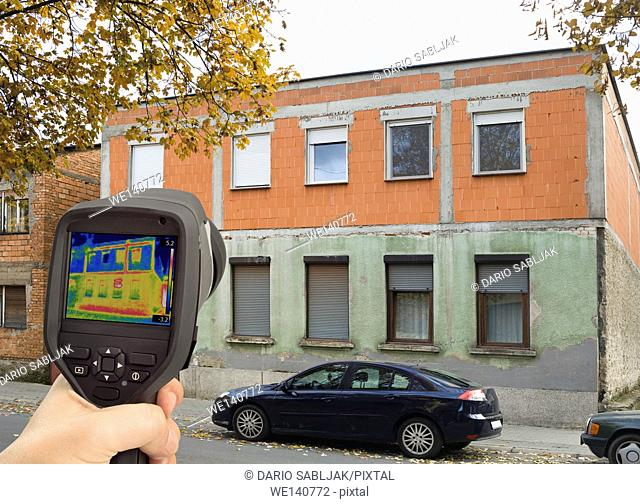 Analysing Heat Leakage with Infrared Thermal Camera