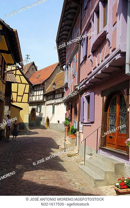 Eguisheim, Alsace Wine Route, Haut-Rhin, Alsace, France, Europe