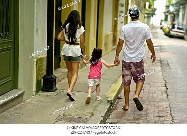 A family enjoys a day at Panama's old city