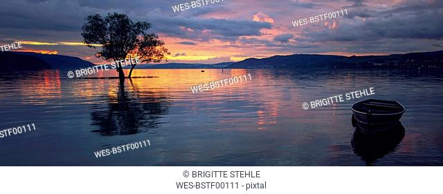 Germany, Constance, Dettingen-Wallhausen, sunset above Lake Constance