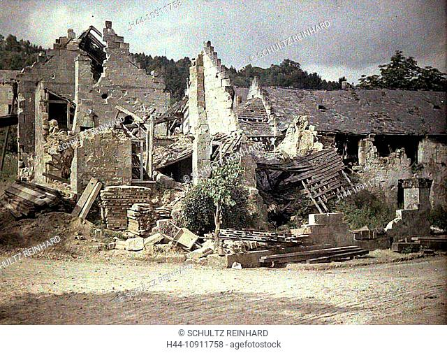 War, Europe, world war I, 1917, Europe, world war, color photo, Autochrome, F. Cuville, western front, department Aisne, France, Pommiers, houses, homes, ruins