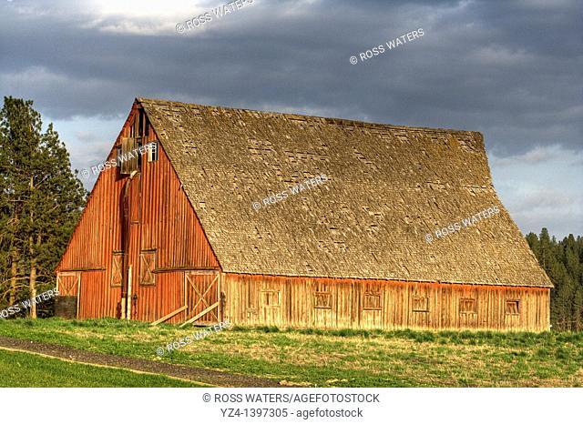 Red barn in northern Spokane, Washington State USA