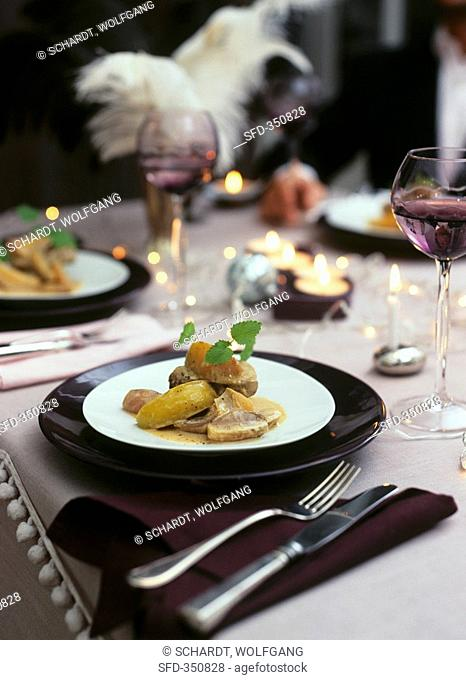 Veal medallions with apples, shallots and Calvados sauce