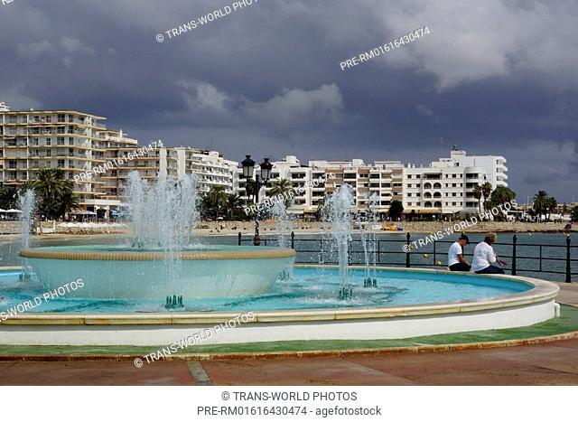 Marina of Santa Eularia des Riu, Ibiza, Spain / Promenade von Santa Eularia des Riu, Spanien