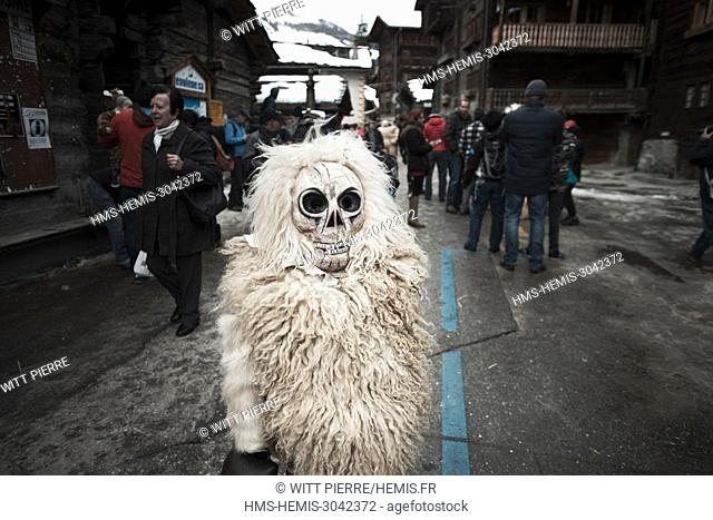 """Switzerland, Wallis, Herens valley, Evolene, the Carnival. The sunday, exit of the """"""""empailles"""""""""""""""