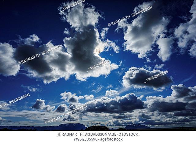 Clouds, Summertime, Skutustadagigar pseudo craters, Skutustadir, Lake Myvatn Area, Northern Iceland
