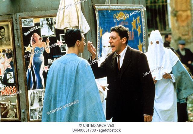 DER MANN, DER DIE STERNE MACHT / L'uomo delle stelle Italien 1995 / Giuseppe Tornatore SERGIO CASTELLITTO (Mitte) im italienischen Spielfilm: 'L'uomo delle...