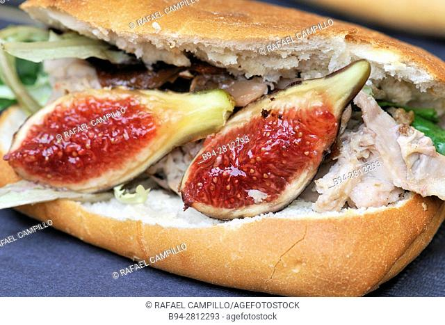 Sándwich with figs. Sant Josep aka La Boqueria Market. Barcelona, Catalonia, Spain