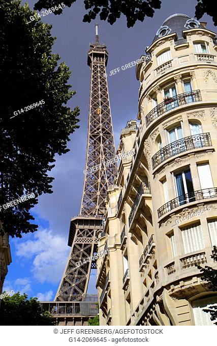France, Europe, French, Paris, 7th arrondissement, Avenue de Suffren, Eiffel Tower, Haussman apartment building,