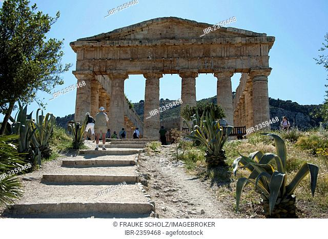 Doric temple of the Elymians, Segesta, Province of Trapani, Sicily, Italy, Europe