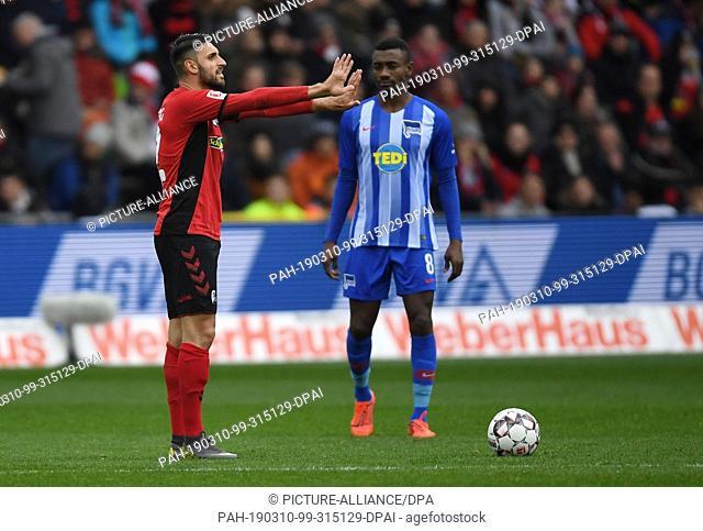 09 March 2019, Baden-Wuerttemberg, Freiburg: Soccer: Bundesliga, SC Freiburg - Hertha BSC, 25th matchday in the Schwarzwaldstadion