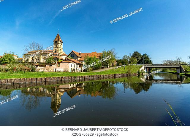 Canal lateral of river Loire. Briennon village. Loire. France