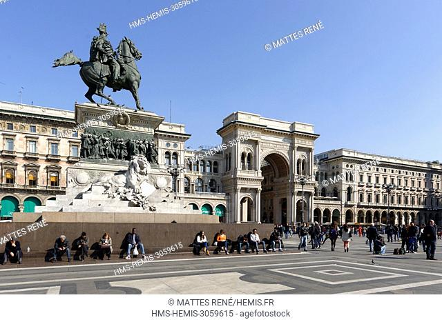 Italy, Lombardy, Milan, Piazza del Duomo, equestrian statue of Victor Emmanuel II of Italy and entry of Vittorio Emmanuel II Gallery