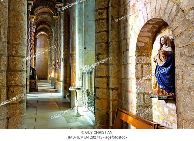 France, Vienne, Poitiers, romanesque church, Notre Dame la Grande church