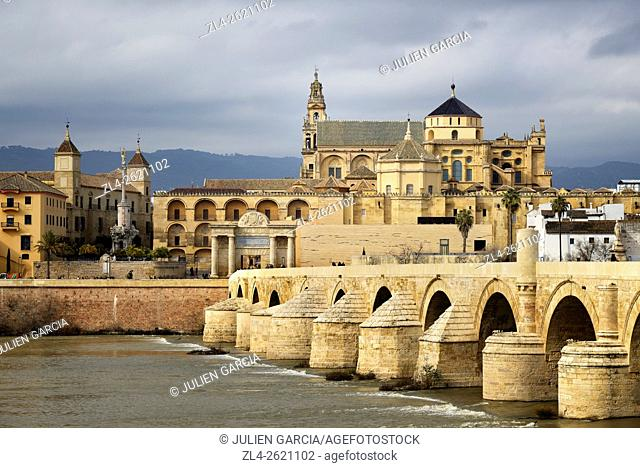 Spain, Andalusia (Andalucia), Cordoba, historic centre listed as World Heritage by UNESCO, the Roman bridge over Guadalquivir river and the Mosque Cathedral...
