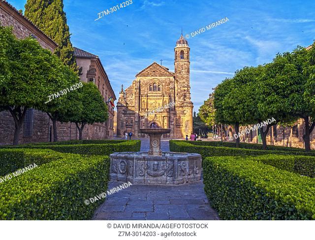 Capilla del Salvador and venetian fountain in plaza Vázquez de Molina. Ubeda. Jaen Province. Andalusia. Spain