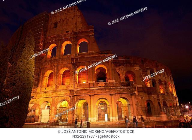 Colosseum, Roman Coliseum at dusk, Rome, Lazio, Italy
