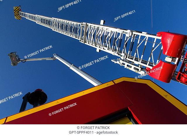 EXHIBITION OF EQUIPMENT AND FIRE ENGINES (LADDER AND HYDRAULIC PLATFORM), NATIONAL CONGRESS OF FRENCH FIREFIGHTERS, AVIGNON (84), FRANCE