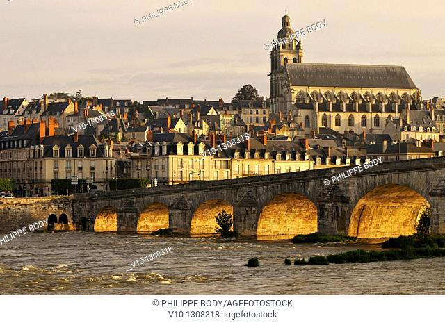 France, Loir et Cher, Loire Valley on the World Heritage sites list of UNESCO, Blois, the Loire river at Blois, Jacques Gabriel bridge