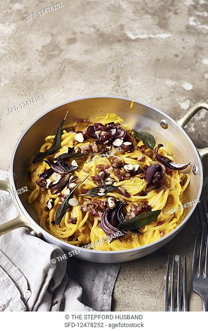 Pumpkin carbonara with red onions