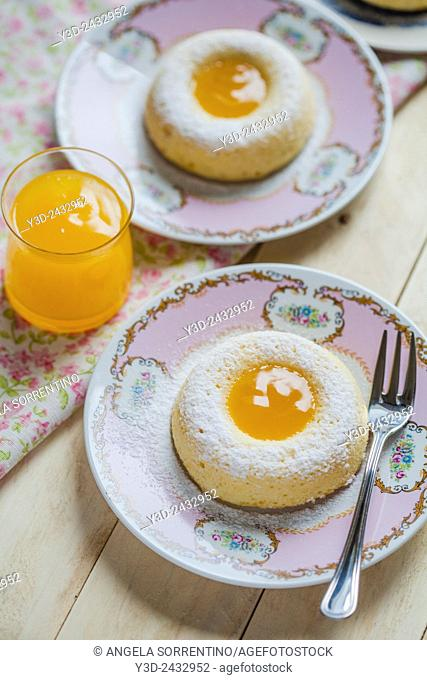 ring-shaped cake with orange cream