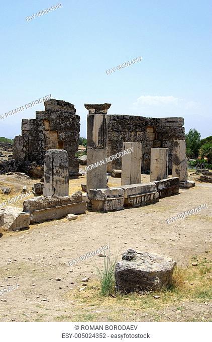 Hierapolis ruinss near Pamukkale, Turkey