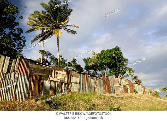 Barbados, Inland, Mount Hillaby: fence at Sunset