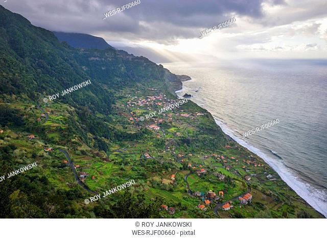 Portugal, Madeira, view of Arco de Sao Jorge on the north coast