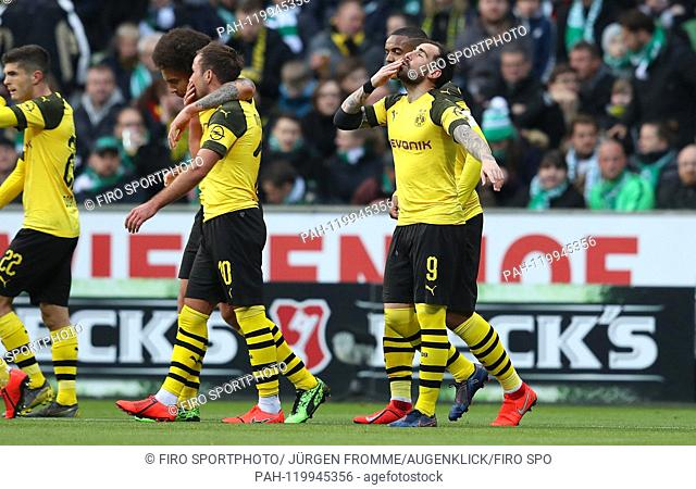 firo: 04.05.2019 Football, 2018/2019, 1.Bundesliga: Werder Bremen - BVB, Borussia Dortmund goal jubilation to 2: 0 Paco Alcacer Alcacer