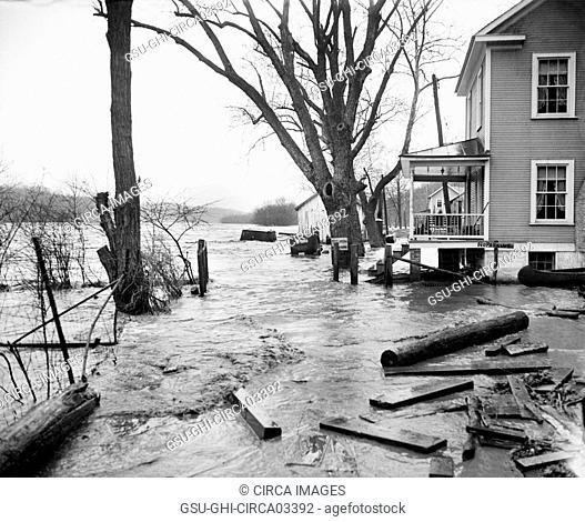 Flooding, Potomac River, Washington DC, USA, Harris & Ewing, March 1936